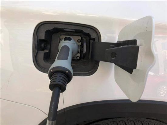 新能源汽车雄居行业高成长榜首